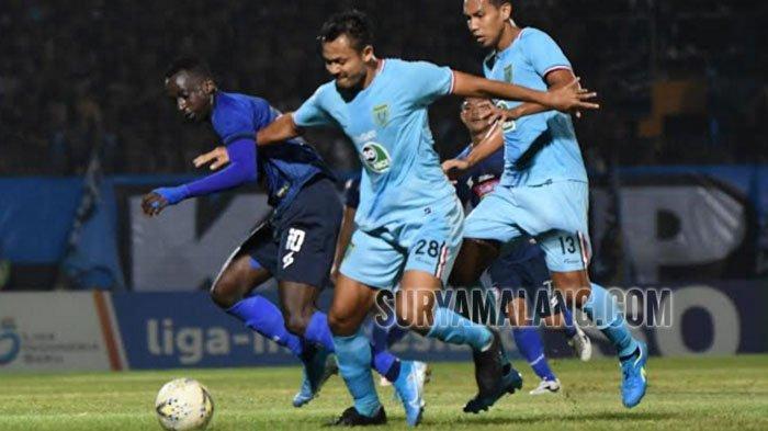 2 Kesalahan yang Bikin Arema FC Kalah 0-2 dari Persela di Lamongan