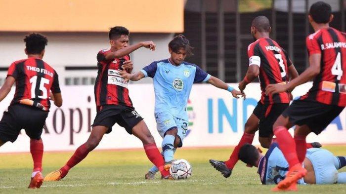 Mirip Arema FC, Persela Lamongan Lebih Beruntung Mampu Menang Atas Persipura dengan 10 Pemain