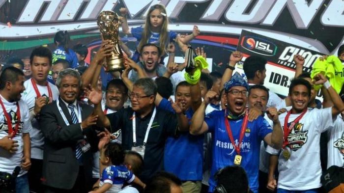 Tangisan Supardi Nasir Saat Persib Bandung Jadi Juara Liga Super Indonesia (LSI) 2014
