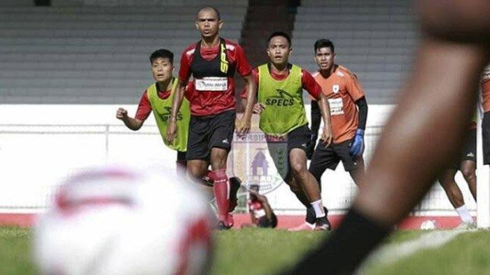Persipura Jayapura sudah berada di Kota Batu untuk menjalani training center (TC) di kawasan Kusuma Agrowisata. Persipura memilih Malang sebagai home base di Liga 1 2020