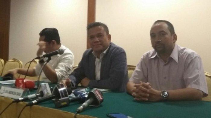 Berlinton Siahaan dan Glenn Sugita Remi Mundur dari PT Liga Indonesia Baru (PT LIB)