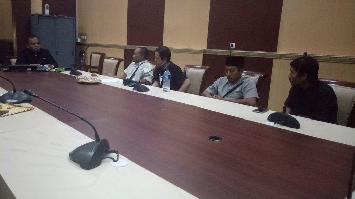 Tak Bisa Pilih Caleg, Para Pengungsi Syiah Sampang di Sidoarjo Mengadu ke Bawaslu Jatim