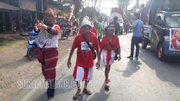 Pria Mengaku Berusia 113 Tahun Ikut Gerak Jalan 30 Km dari Tanggul ke Jember