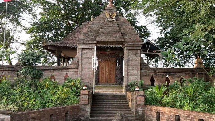Petilasan Eyang Resi Ronggolawe Jadi Ikon Desa Wisata Lintas Agama di Gresik