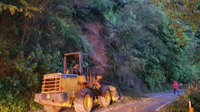 Hujan Seharian di Kota Batu Akibatkan Longsor di Kawasan Payung, Jalur Sempat Terputus