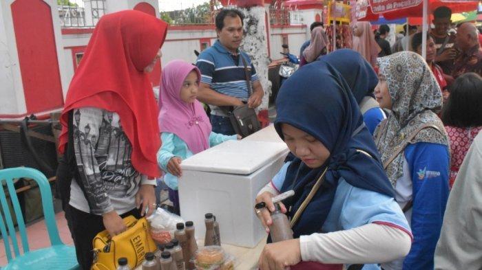 Dinkes Ambil 60 Sampel Makanan Dan Minuman Di Pasar Takjil Kota Blitar Untuk Diuji Laboratorium