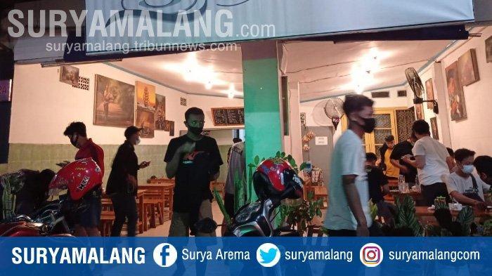 Warung dan Cafe Buka Hingga Dini Hari, Patroli Gabungan Bubarkan Kerumunan Massa di Kota Kediri