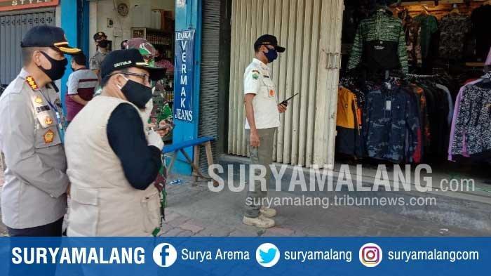 Petugas Beri Teguran Tertulis ke Toko yang Masih Buka di Kota Malang