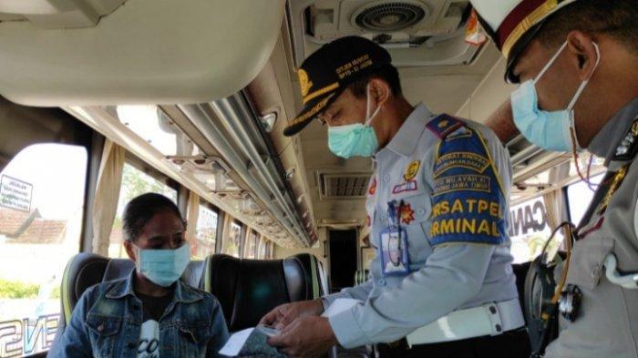Langgar PPKM Darurat, 90 Bus dan 63 Penumpang Tak Bisa Berangkat dari Terminal Patria Kota Blitar