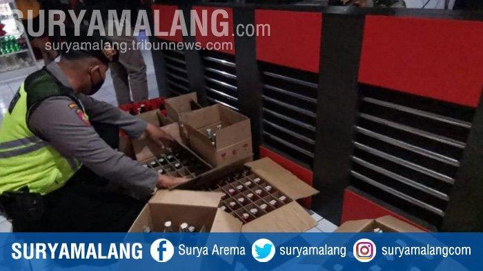 Razia Tempat Karaoke di Kota Blitar, Polisi Sita Ratusan Botol Minuman Keras
