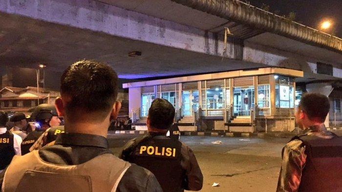 BREAKING NEWS : Diduga Bom Bunuh Diri di Jakarta, 3 Polisi jadi Korban