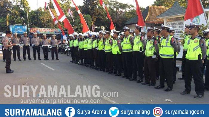 Ratusan Personel Polres  Amankan Hari Santri Di Jombang