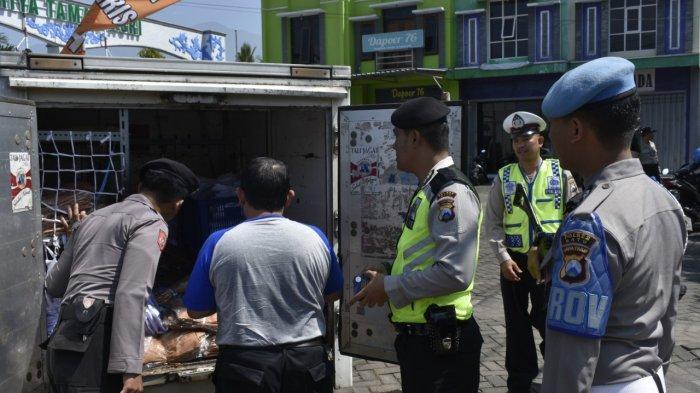Razia Antisipasi Gerakan People Power di Kota Batu Malah Temukan Ribuan Keping VCD Bajakan