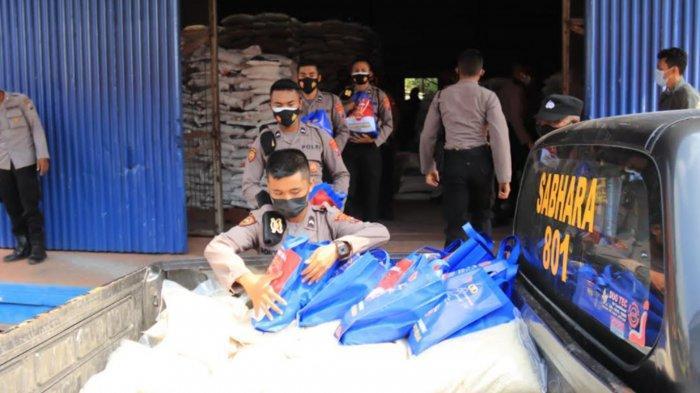 Polres Tuban Salurkan 5 Ton Bansos Beras bagi Masyarakat Terdampak PPKM Darurat