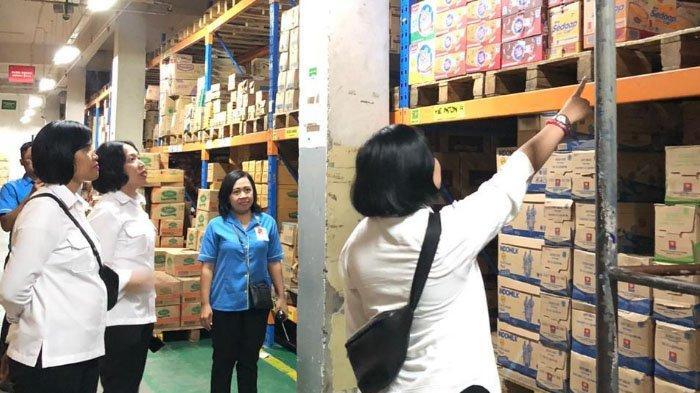 Polresta Malang Kota Pantau Stok Masker dan Bahan Pokok di Swalayan dan Toko Alat Kesehatan