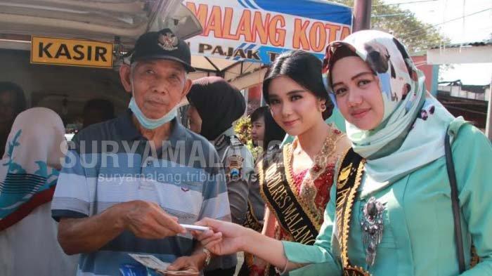 Aksi Polwan Cantik Di Kota Malang Saat Melayani WP Kendaraan Bermotor, Banyak Yang Ajak Selfie