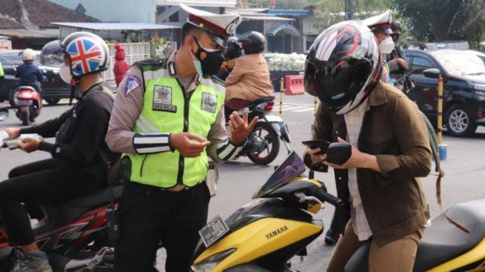 Pos Penyekatan di Kota Batu Diperketat, Masyarakat Diminta di Rumah Saja