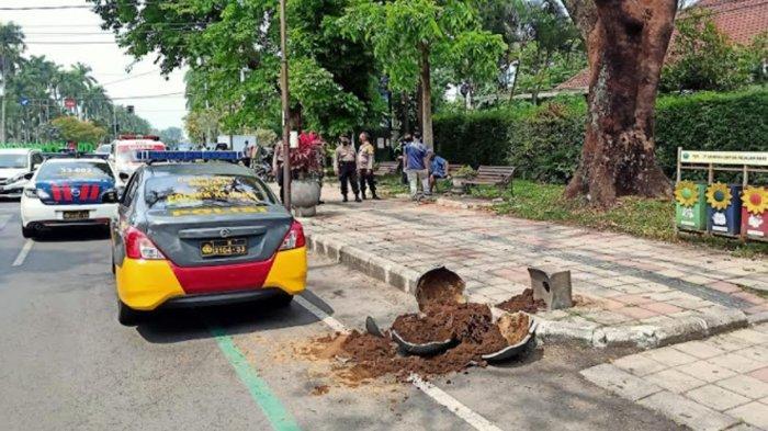 6 Pot Tanaman di Jalan Besar Ijen Malang Diduga Dirusak ODGJ yang Ngamuk