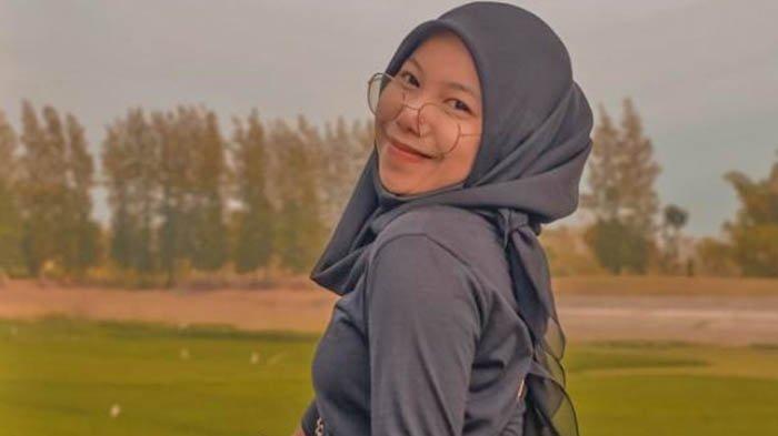 Potret Adinda Tri Madani, Rezeki Sudah Ada yang Atur