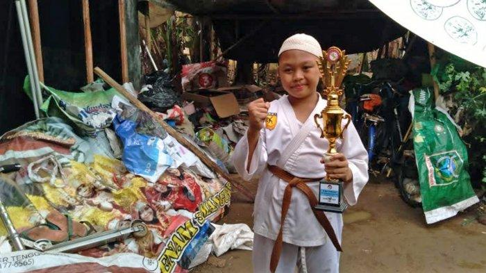 Potret Aditya Saiful Anam, Anak Pemulung Asal Kepanjen Malang yang Viral Seusai Sabet Juara Karate