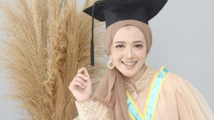 Potret Dewi Rahma Sulistyoningrum, Tetap Percaya Diri