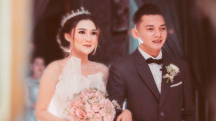 potret pernikahan Nella Kharisma dan Dory Harsa