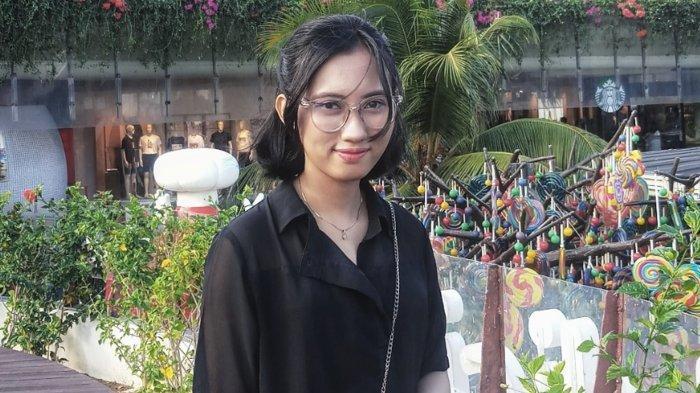 Potret Sasmitaningtiyas, Semangat 'Nge-Podcast'