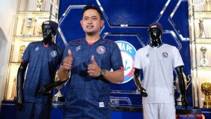 Juragan 99 Imbau Aremania dan Aremanita Wajib Memakai Merchandise Asli Arema FC, Jangan Beli Bajakan