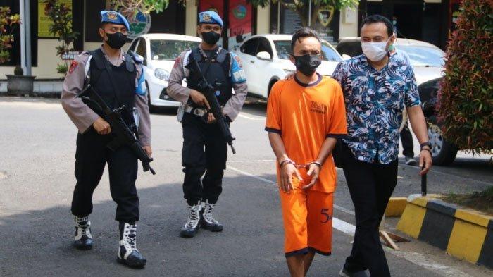 Pria Asal Lumajang Kepergok Jual Ganja di Kecamatan Pakis, Kabupaten Malang