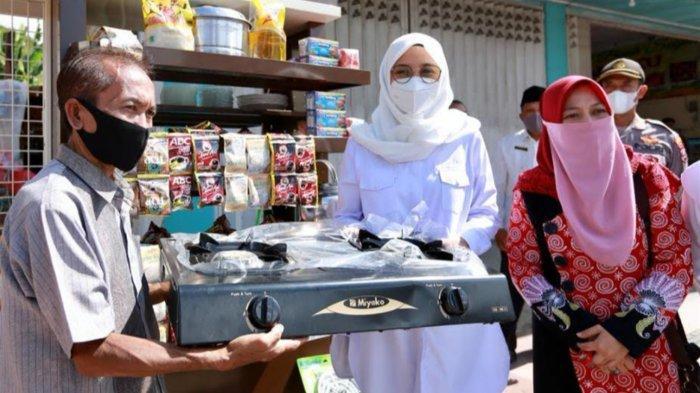 Usaha Hancur Terdampak Gempa di Malang, Warga Banyuwangi Ini Bangkit Ikut Program Warung Naik Kelas