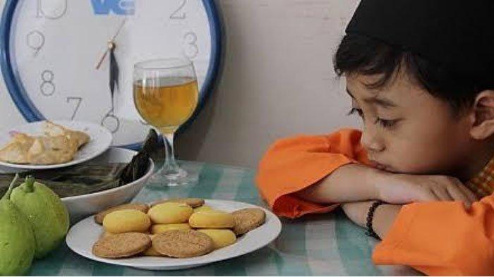 Tips Mudah Mengajari Anak Puasa Ramadan, Beri Penghargaan Sesuai Usia Anak