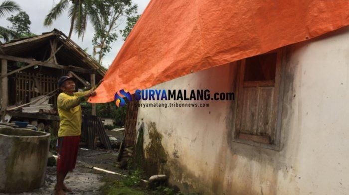 Tak Sampai 10 Menit, Angin Puting Beliung Obrak-Abrik Puluhan Rumah Warga Lumajang