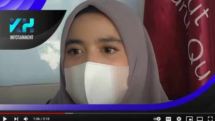 Putri Ustadz Yusuf Mansur bernama Wirda Mansur saat diwawancarai