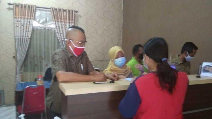 Fakta di Balik Postingan Viral Kades di Jombang Potong Rambut Bergaya Mohawk