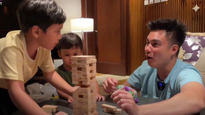 Rafathar bermain dengan Baim Wong