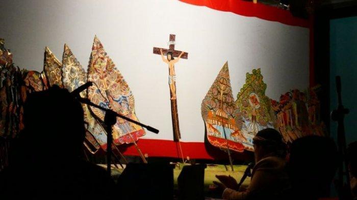Ragam Tradisi Perayaan Natal di Indonesia, Wayang Kulit Kristus Yogyakarta dan Bakar Batu di Papua
