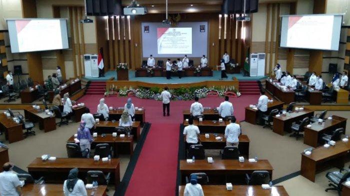 Jawab Pandangan Umum Fraksi, Bupati Malang Sanusi Targetkan Penurunan Level PPKM