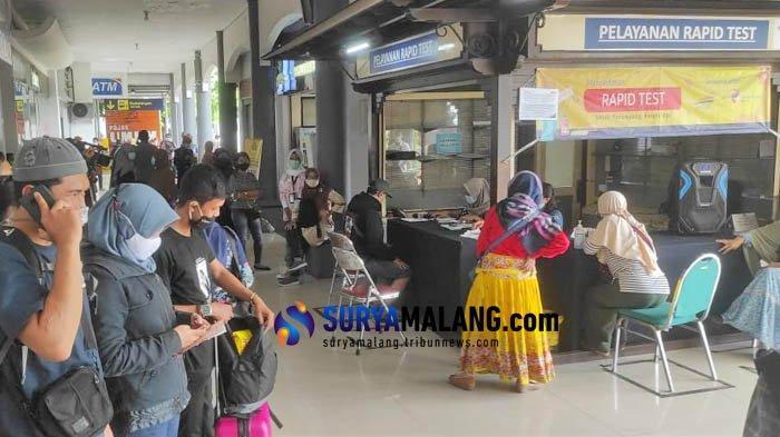 Antre Rapid Test Antigen Membludak, Tiket KA Penumpang di St Gubeng Surabaya Hangus
