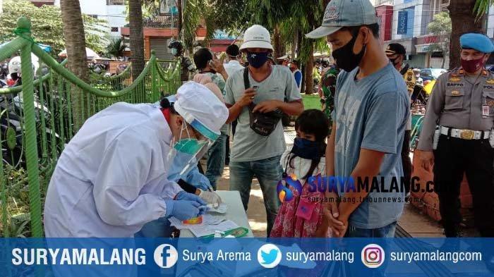 Seusai Sidak Pertokoan Pasar Besar Malang, Forkopimda Gelar Rapid Test ke Warga yang Tak Bermasker