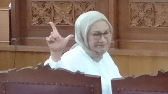 Salam 2 Jari dan Vonis 2 Tahun, Ini Fakta Unik Sidang Ratna Sarumpaet, Dicap Mempropaganda Prabowo