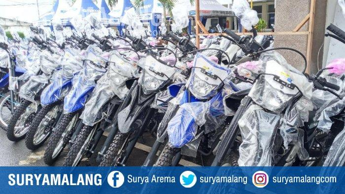 Ratusan Motor Senilai Rp 13 Miliar Dibagikan ke Semua Kades di Kabupaten Malang di Tengah Pandemi
