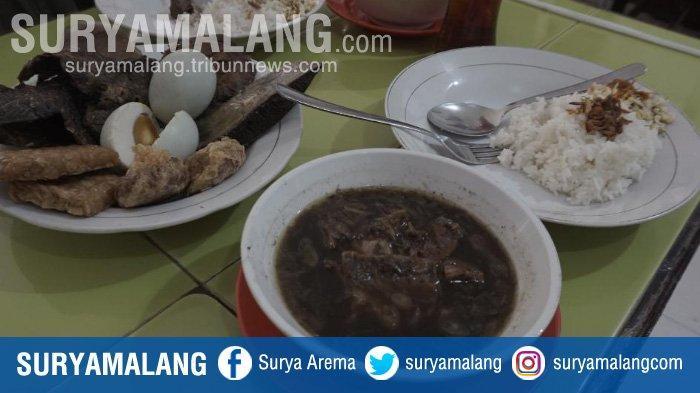 Mengintip Kelezatan Rawon Setan di Jalan Embong Malang, Surabaya! Awas Kecanduan Slurrr