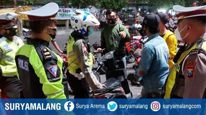 Razia di Pertigaan Gading Fajar, Sidoarjo, Petugas Temukan 16 Orang Tak Pakai Masker