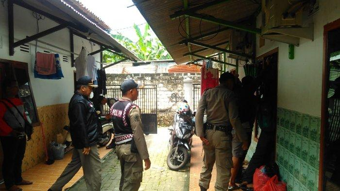 Lagi Mesum Di Kamar Kos, Lima Pasangan Ilegal Dirazia Satpol PP Tuban Jelang Valentine