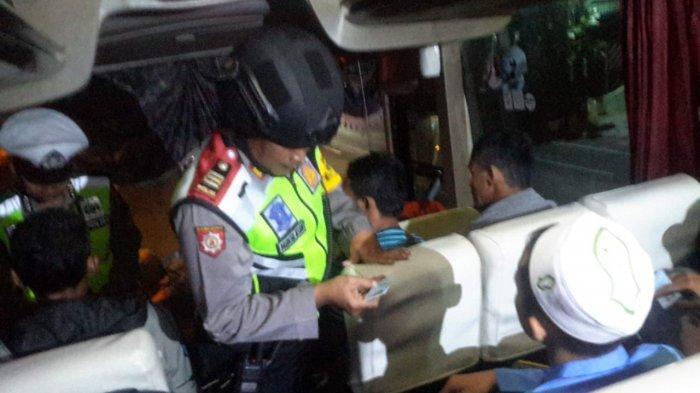 Polisi Lanjutkan Razia Mobil Angkutan Di Kediri, Antisipasi Massa Berangkat Ke Jakarta