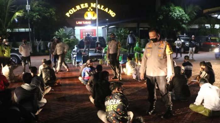 Polres Malang Ciduk 75 Oknum Warga yang Nekat Nongkrong di Warkop, Siapkan Sanksi Pidana Jika Bandel