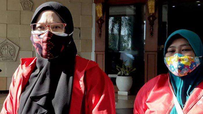 Niat 'Jihad'  Emak-Emak 3 Anak Jadi Relawan Pemulasaran Jenazah Covid-19 di Gresik, Keluarga Ikhlas