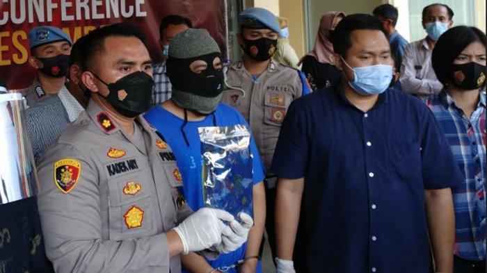 UPDATE Kasus Pencabulan oleh Dosen Unej, Polres Jember Diberi Hadiah Bunga Setelah Tersangka Ditahan