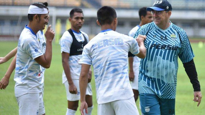 Persib Bandung Bakal Duetkan Pemain Senior dan Junior di Piala Menpora 2021, Ini Tanggapan Pelatih