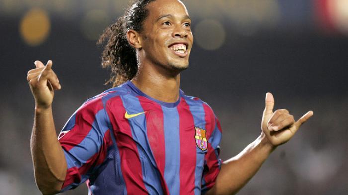 Siapa Sangka, Ternyata Ronaldinho Pernah Merengek-rengek Agar Tidak Ditekel saat Pertandingan